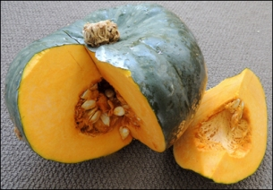 This beautiful buttercup squash weighed 3.189 kg.